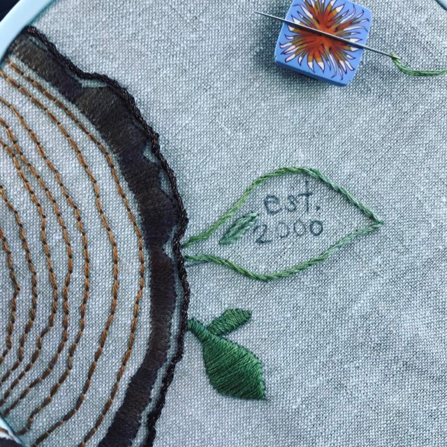 Current crush these satin stitch leaves stitcheveryday2017 embroidery handmadelifestyle cozyblue